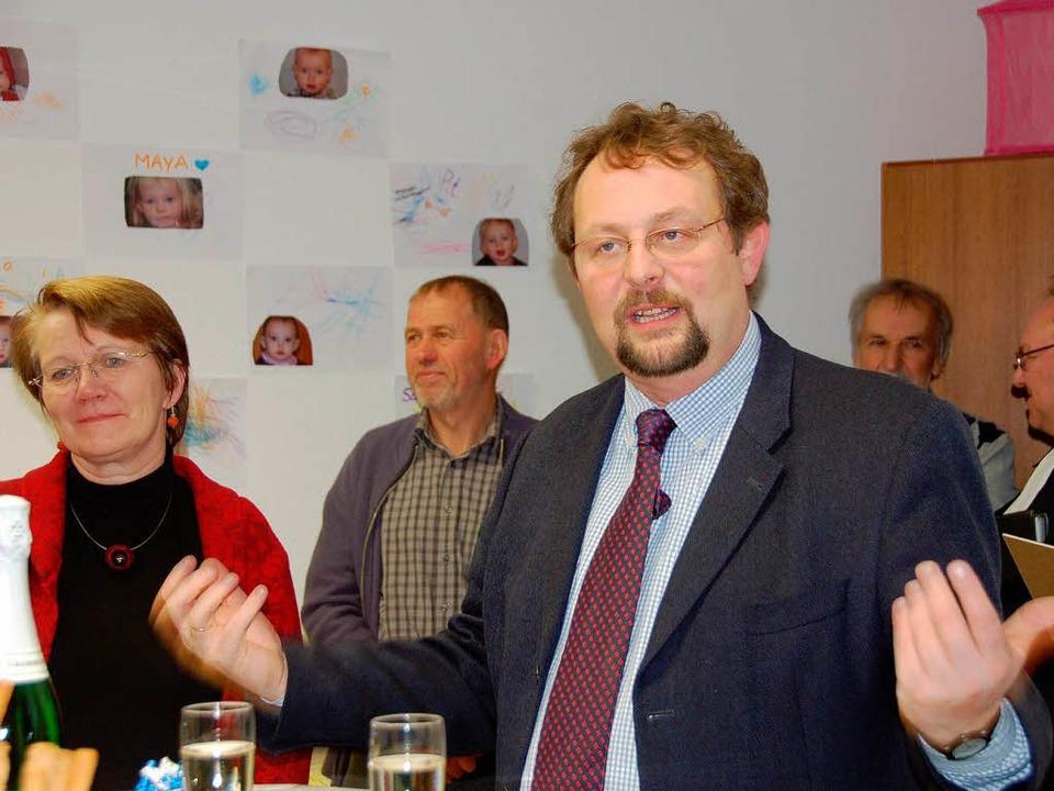 Martin Riegraf, Vorstand des Caritasve...amilienzentrum seine Unterstützung zu.    Foto: Juliane kühnemund
