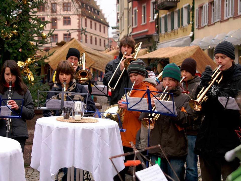 Stimmungsvoll ist der Endinger Weihnachtsmarkt.  | Foto: Ilona Hüge
