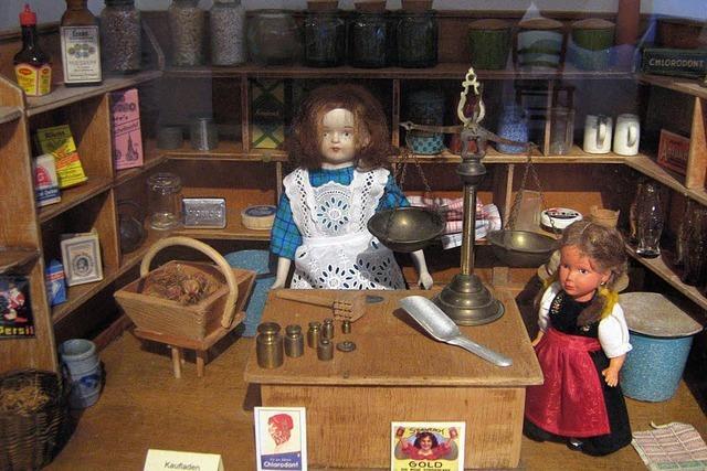 Hampelmann und Porzellanpuppe