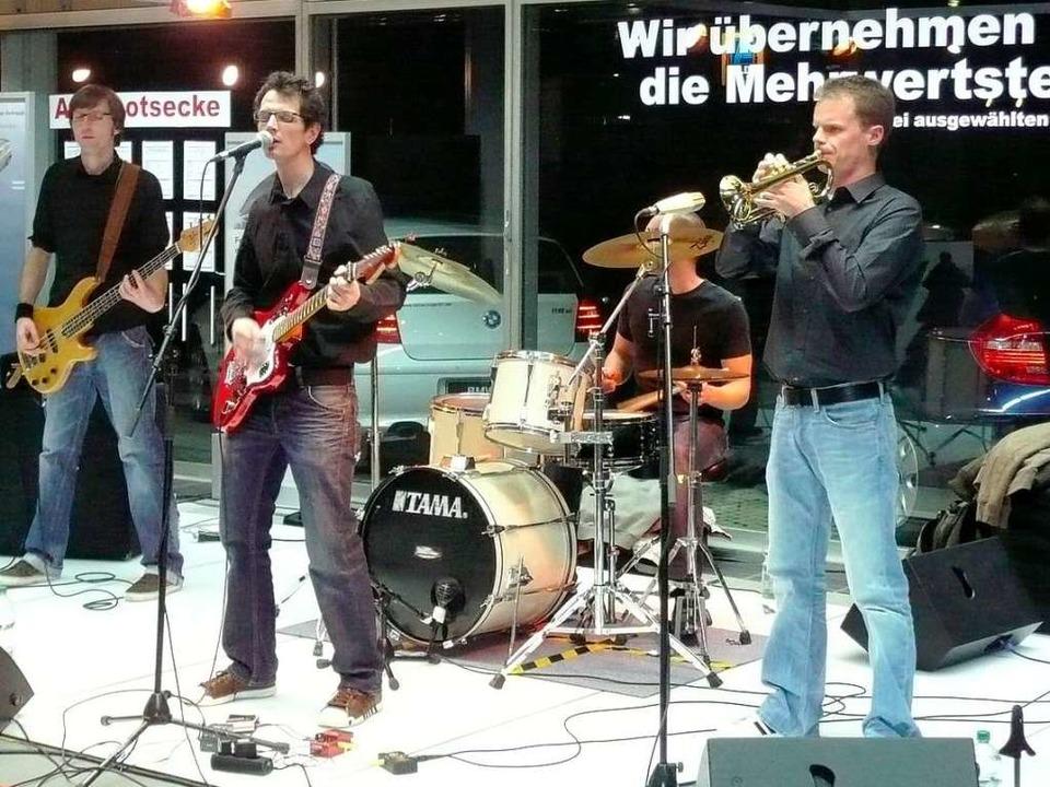 Die Band You? Spy! spielte zur Modenschau.  | Foto: Lorenz Bockisch
