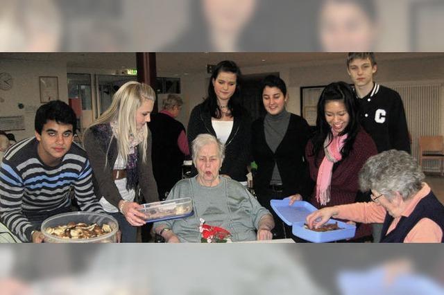 Jugendparlamentarier backten für Senioren