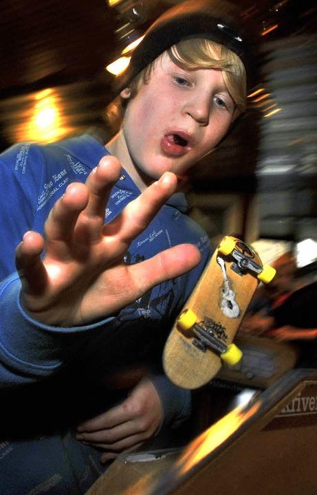 Fingerspitzengefühl   beim Fingerboarding   | Foto: Michael Bamberger