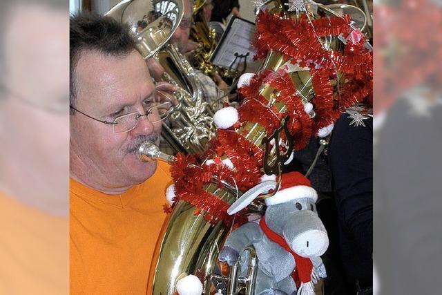 Drei Märkter bei Basler Tuba-Christmas