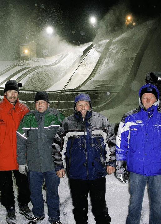 Die Schneemacher vom Adlerwald haben i... Sicht könnte die JWM sofort beginnen.    Foto: Maurer