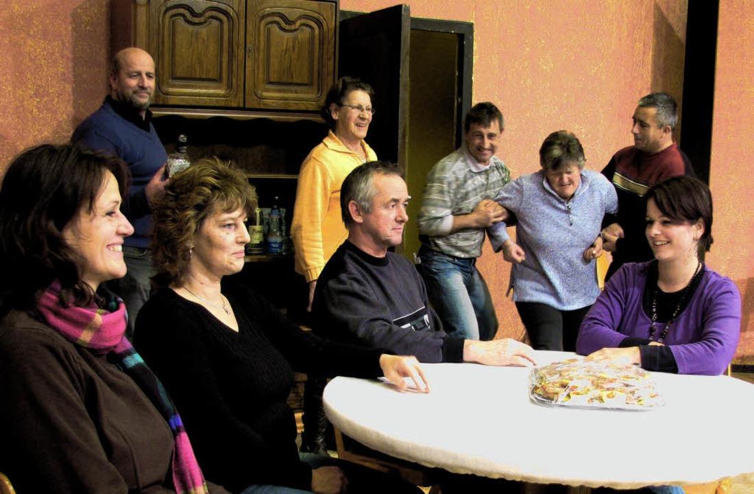 Die Laienspieler von MGV und Skiclub, ...amstag in St. Peter auftreten werden.     Foto: monika rombach