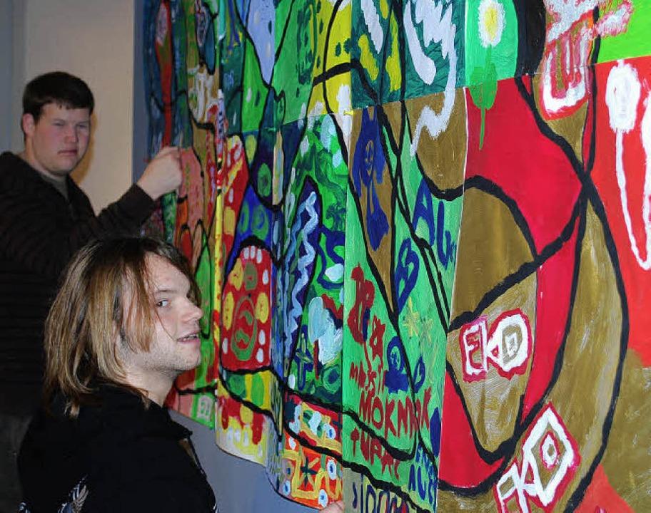 Schülerinnen und Schüler hängten  im M...bis zum 10. Februar im Museum selbst.     Foto: Thomas Loisl Mink