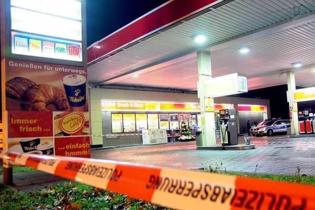 Polizist tötet Tankstellenräuber mit zwei Schüssen