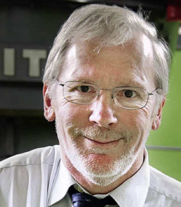 Volker Mergner, Betriebsleiter der Rhe...kingen AG, kündigt Investitionen an.      Foto: J. Jacob