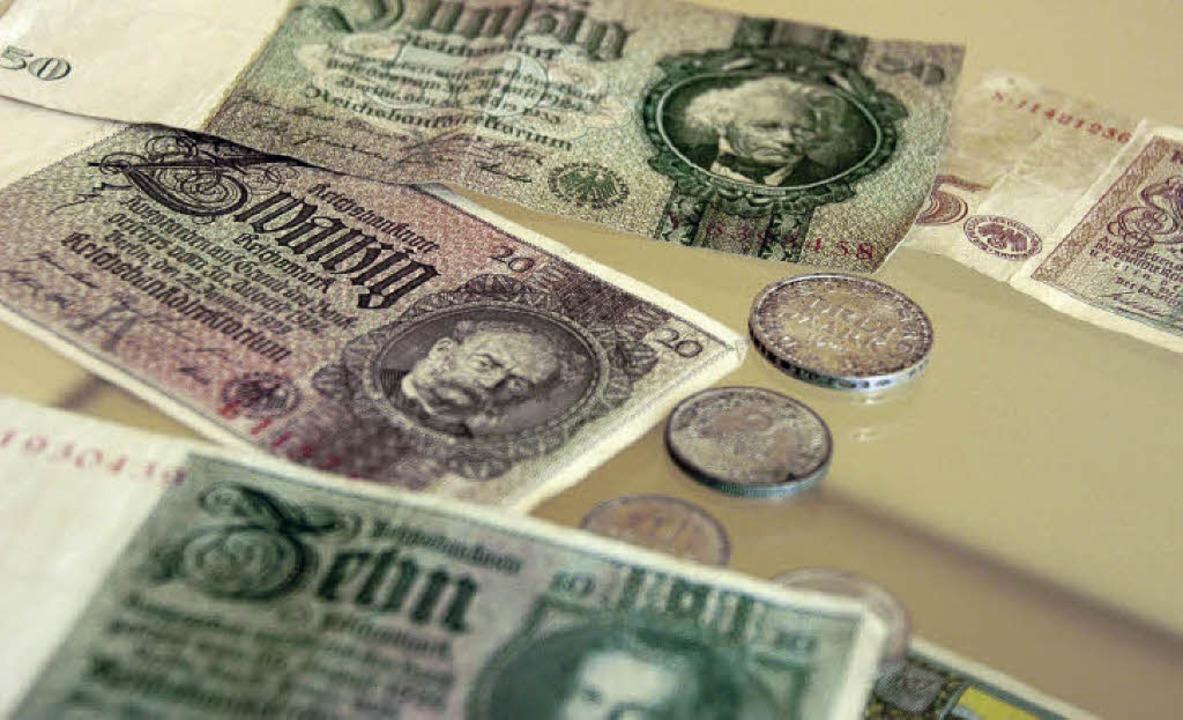 Geld aus der Zeit der Weltwirtschaftsk... Expo Tri-Rhena im Museum am Burghof.   | Foto: Nikolaus Trenz