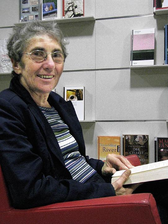 Anita Mück: nach 40 Jahren Abschied von der Stadtbibliothek    | Foto: Maja Tolsdorf