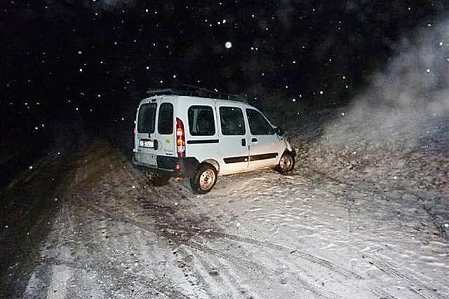 Unfallauto stehen gelassen
