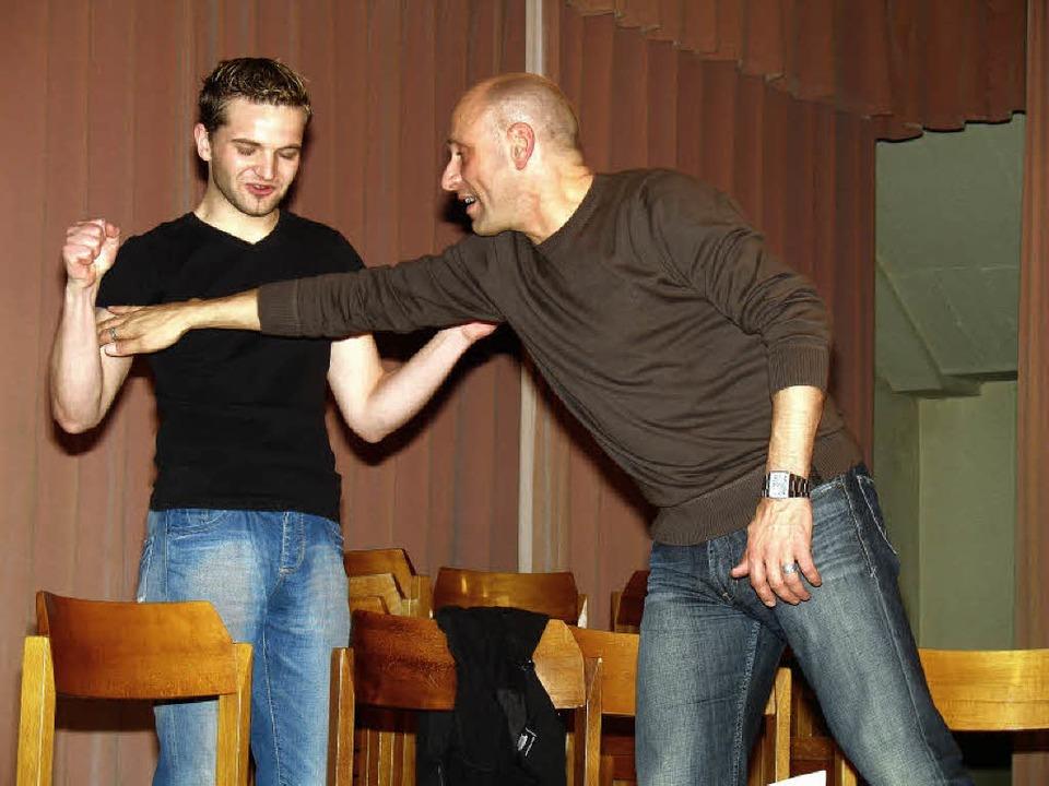Dietmar Holzer (rechts, mit Tobias Bar...aus des Gastes in Elzach aufgeführt).   | Foto: privat