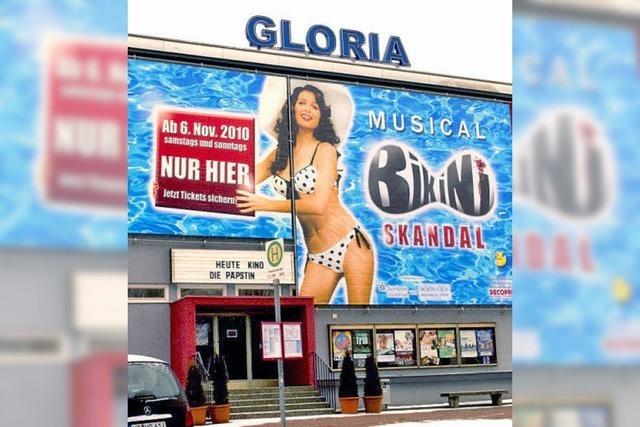 Bikini-Mädchen als Blickfang