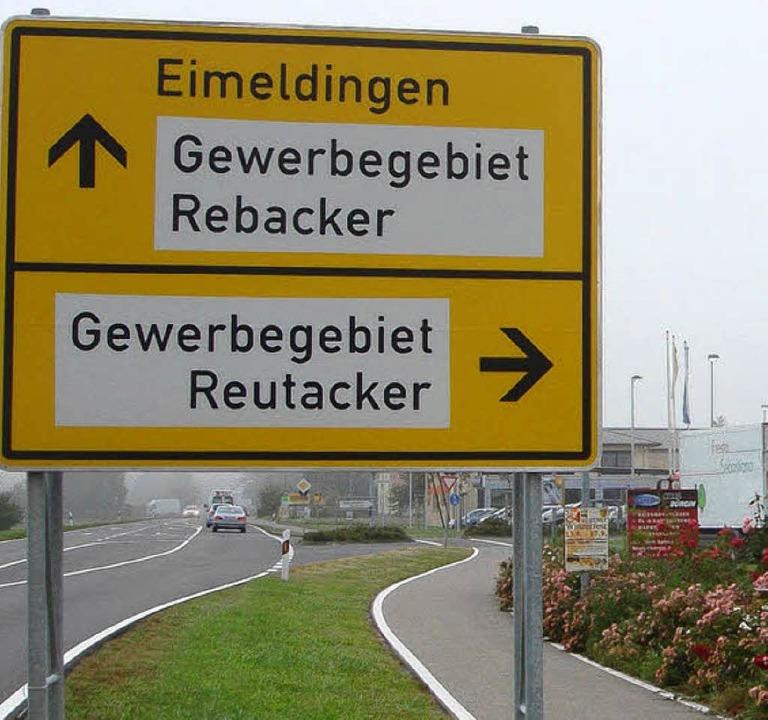 1995  gestartet, ist das Eimeldinger Gewerbegebiet Reutacker  jetzt komplett.   | Foto: Langelott