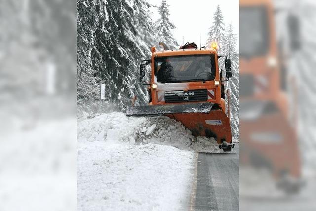 Falschparker behindern Winterdienst fast überall