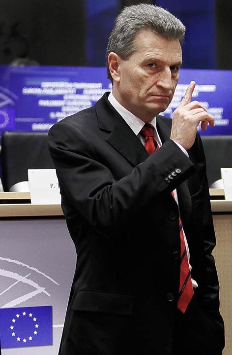 Ganz der Musterschüler: Oettinger meldet sich einsatzbereit.  | Foto: DPA