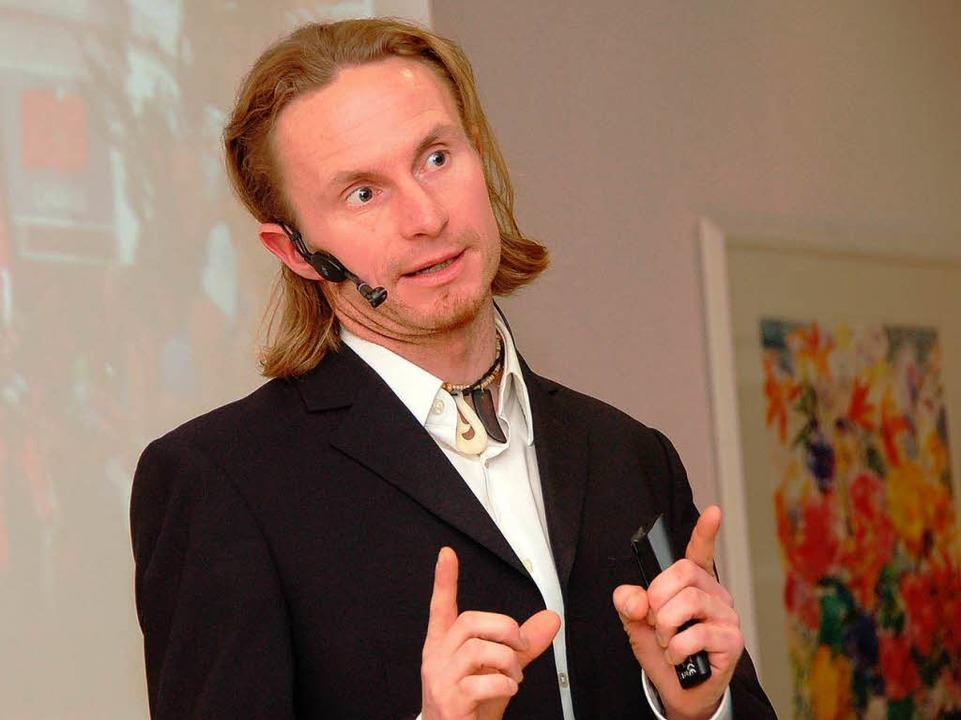 Kennt kein Limit: Motivationstrainer u...m Vortrag beim Gewerbeverein Breisgau.  | Foto: Markus Donner
