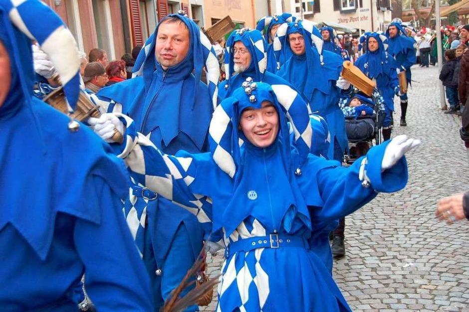 Die Staufener Schelmenzunft feierte mit einem großen Jubiläumsumzug ihr 75-jähriges Bestehen. (Foto: Markus Donner)