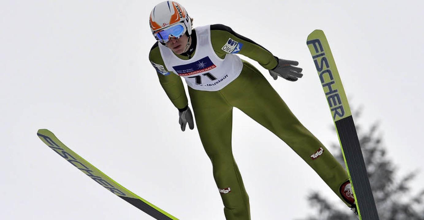 Im Anflug: Tagessieger Michael Hayböck aus  Österreich  | Foto: Patrick Seeger