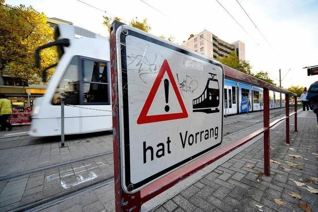 Straßenbahn erfasst angetrunkenen Mann