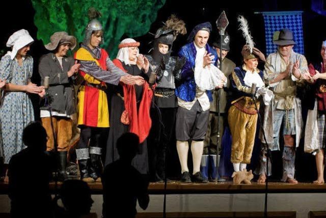 Kindertheater mit schönen Kostümen und viel Liebe zum Detail
