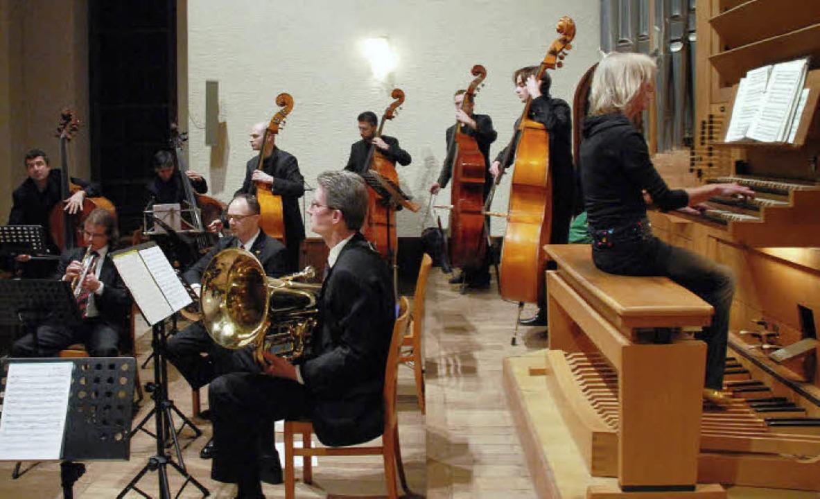 Tutti: Zum Abschluss gab es ein furioses Finale mit allen Musikern.   | Foto: Jannik Schall
