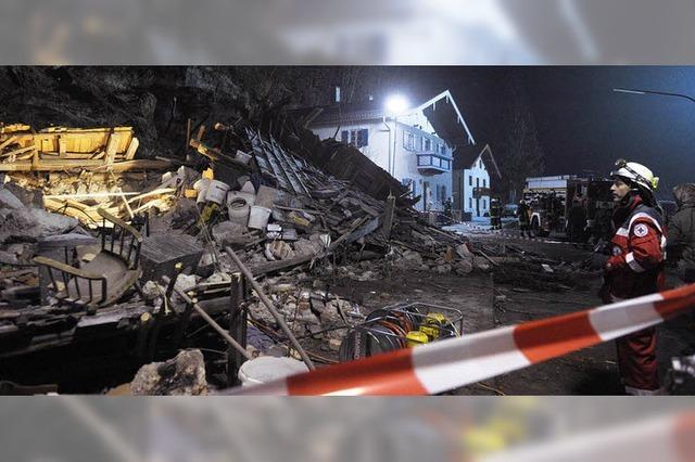 Felsbrocken zerstört Einfamilienhaus