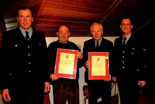Neue Ehrenmitglieder bei der Wehr