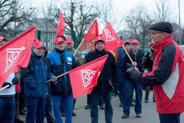 IKA-Mitarbeiter streiken für einen Tarifvertrag