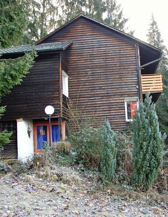 Das frühere  Anwesen des Bauhauskünstl...gert. Gebaut wurde das Holzhaus 1937.     Foto: Sigrid umiger