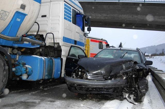 Unfall nach Überholen im Überholverbot
