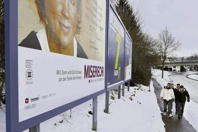 Werbeplakate im Visier