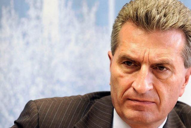 Oettinger will nach Holper-Rede Englisch üben