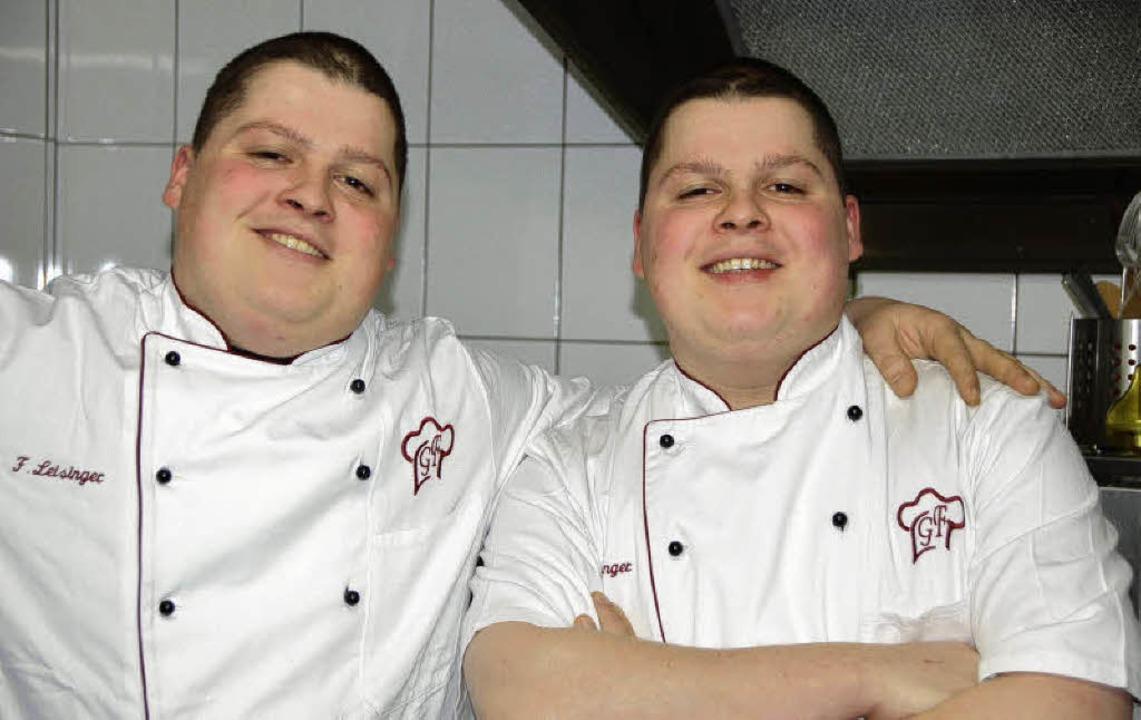 Andreas (li.) und Georg Leisinger mach...insam Karriere in der Sterne-Küche.     | Foto: Sabine Ehrentreich