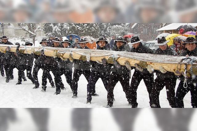 Schönauer Narren stemmen sich gemeinsam gegen den Schnee