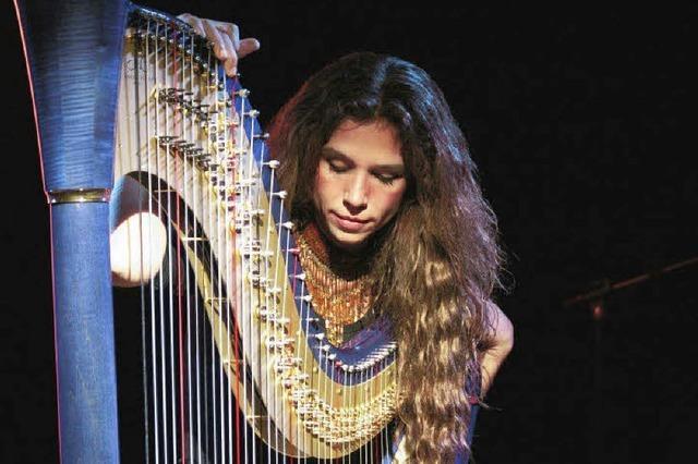 MONTAG: BOSSA NOVA: An der Harfe
