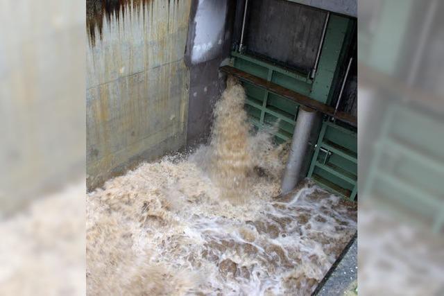 Simuliertes Hochwasser wird verschoben
