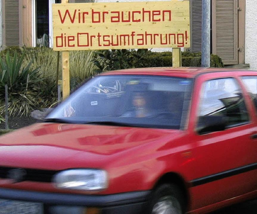 Darüber, dass möglichst viel Verkehr v...Straße weg muss,  herrscht Einigkeit.   | Foto: Maier