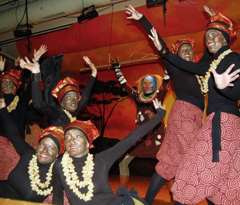afrika bringt die halle zum kochen elzach badische zeitung. Black Bedroom Furniture Sets. Home Design Ideas