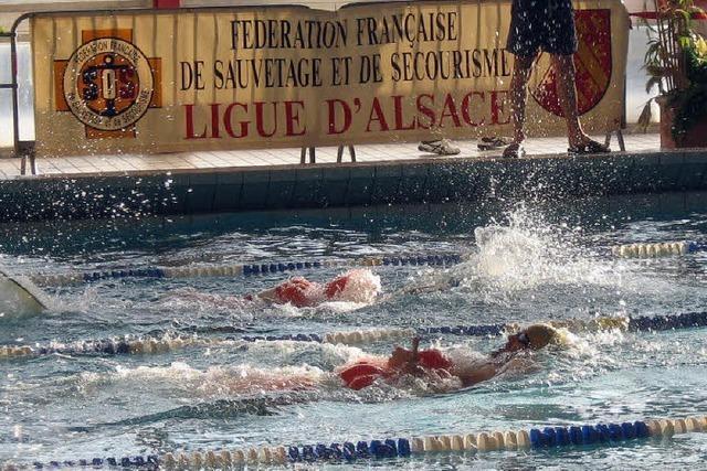 Wettschwimmen mit Hindernissen