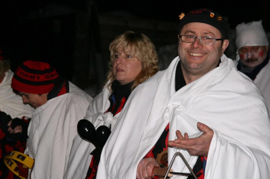Trotz Kälte gut gelaunt waren die Teilnehmer der Hemdglunki-Umzüge