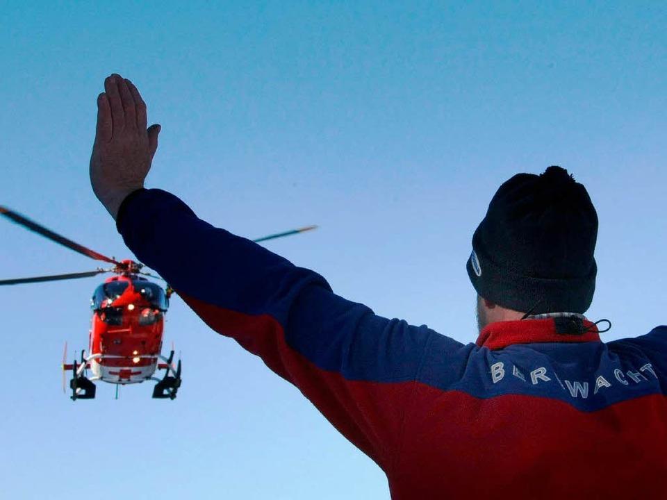 Die Bergwacht suchte stundenlang vergebens nach dem vermissten Snowboarder.  | Foto: dpa