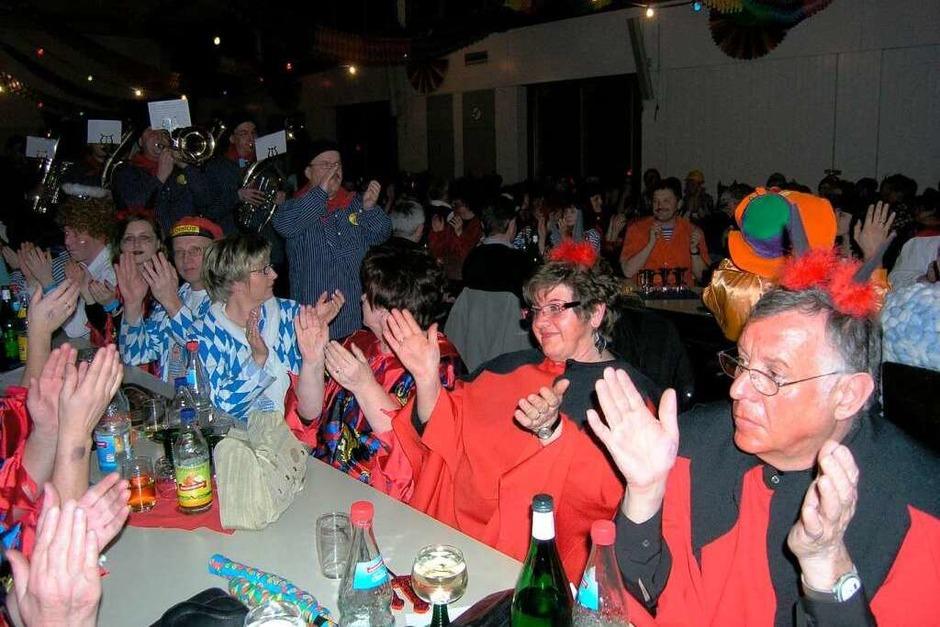 Himmel und Hölle war das Motto: der Musikverein zieht dazu in die Limburghalle ein. (Foto: Michael Haberer)
