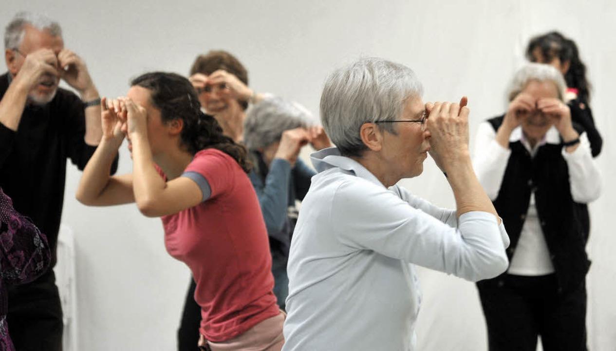 Auf hoher See: Parkinson-Kranke tanzen im Freiburger Ballettstudio NextStep.   | Foto: thomas kunz