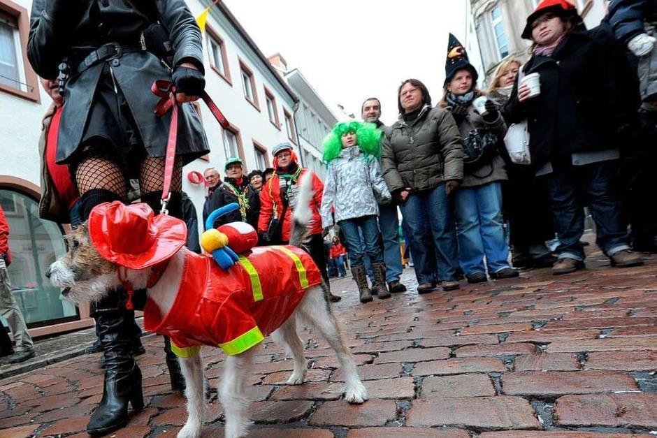 Betrieb rund um die Kajo: Straßenfasnet in der Freiburger Innenstadt (Foto: Rita Eggstein)