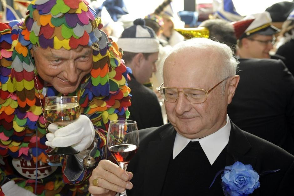 Münsterpfarrer Claudius Stoffel und Erzbischof Robert Zollitsch. (Foto: Ingo Schneider)