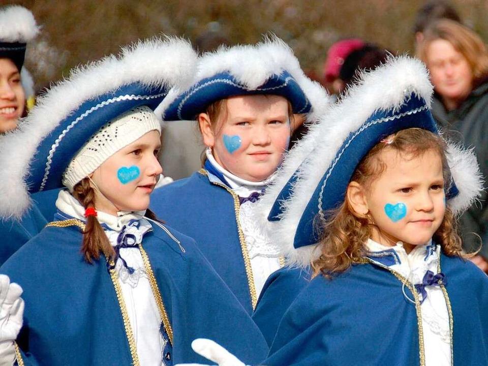 Fest gebucht für die Zugspitze: Die Ga...en sorgen für karnevalesken Einschlag.