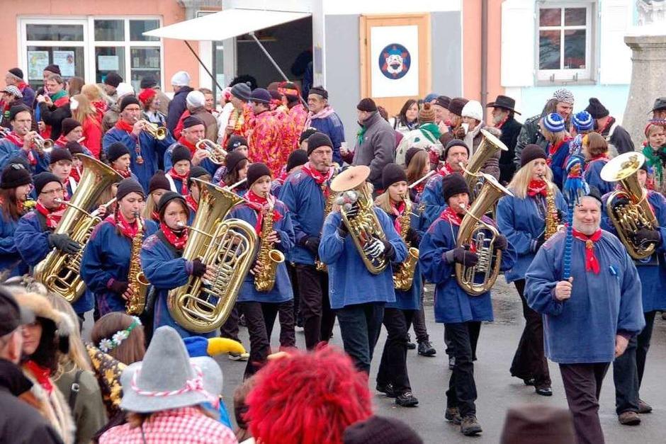Immer mit dabei: die Bonndorfer Stadtmusik unter Leitung von Klaus Steckeler. (Foto: Juliane Kühnemund)