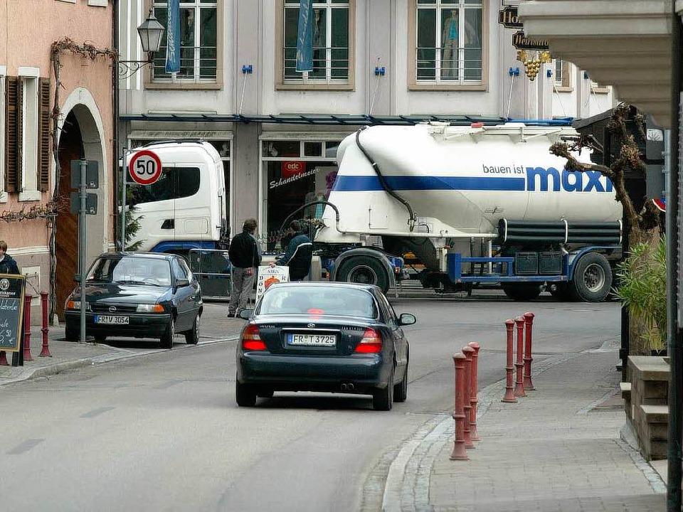 Die Bürger von Wasenweiler und Ihringe...f den Ortsdurchfahrten  unterwegs ist.  | Foto: Rainer Klotz