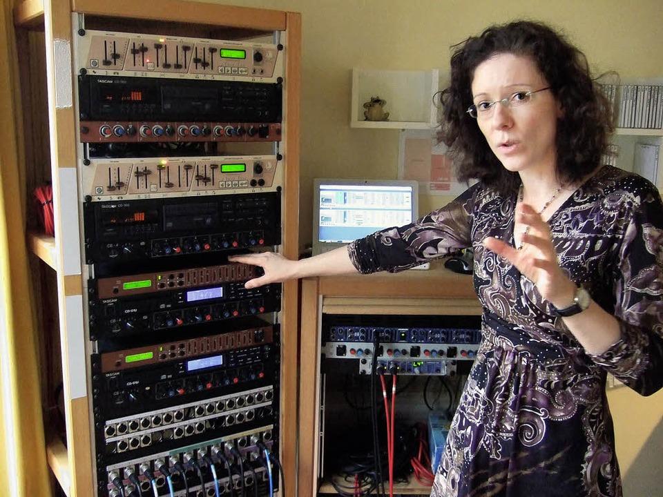 Mit großem technischem Aufwand zum The... Hörakademie-Leiterin Kirsten Klopsch   | Foto: Rainer Ruther